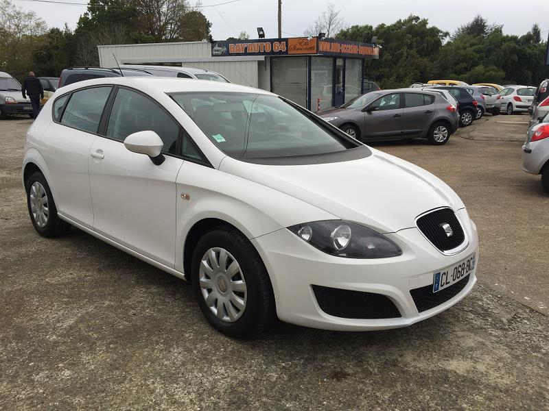 seat leon 1 6 tdi 105 referenced 39 occasion a bayonne. Black Bedroom Furniture Sets. Home Design Ideas