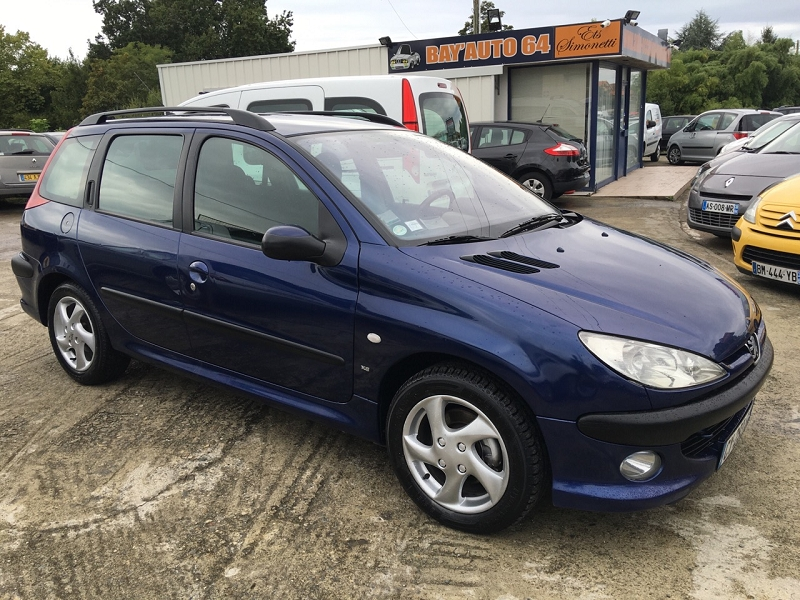 peugeot 206 sw 2 0 hdi x line clim 90cvd 39 occasion a bayonne. Black Bedroom Furniture Sets. Home Design Ideas