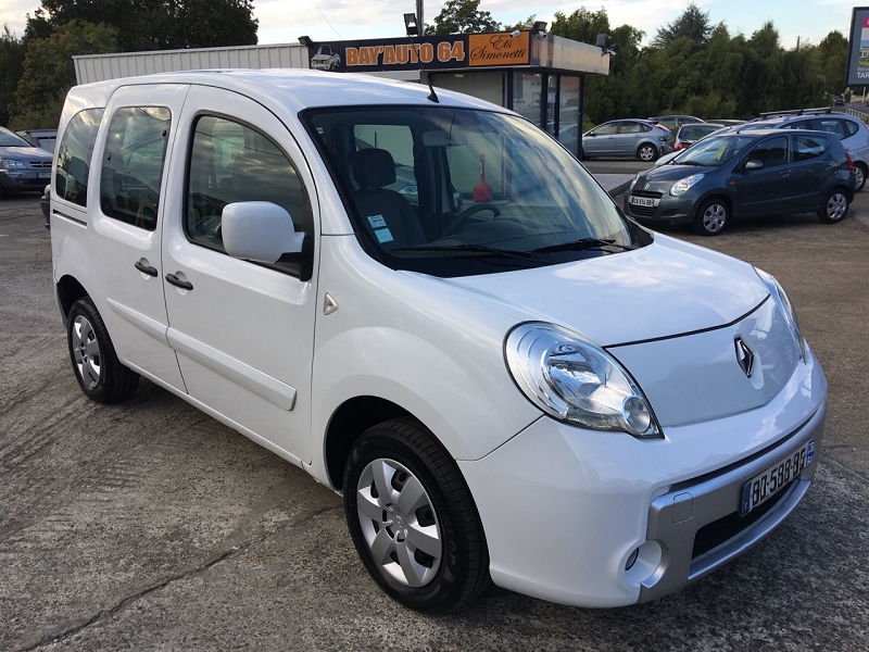 renault kangoo 1 5 dci 105 eco2 privilege euro4d 39 occasion a bayonne. Black Bedroom Furniture Sets. Home Design Ideas